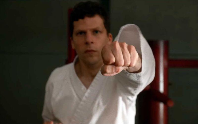 "Jesse Eisenberg lernt ""The Art of Self-Defense"""