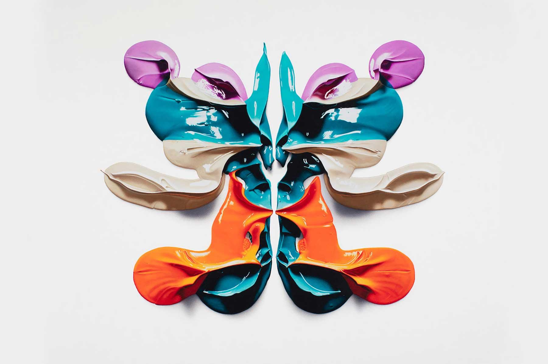 Gezeichnete Farbklecks-Rorschachs von CJ Hendry