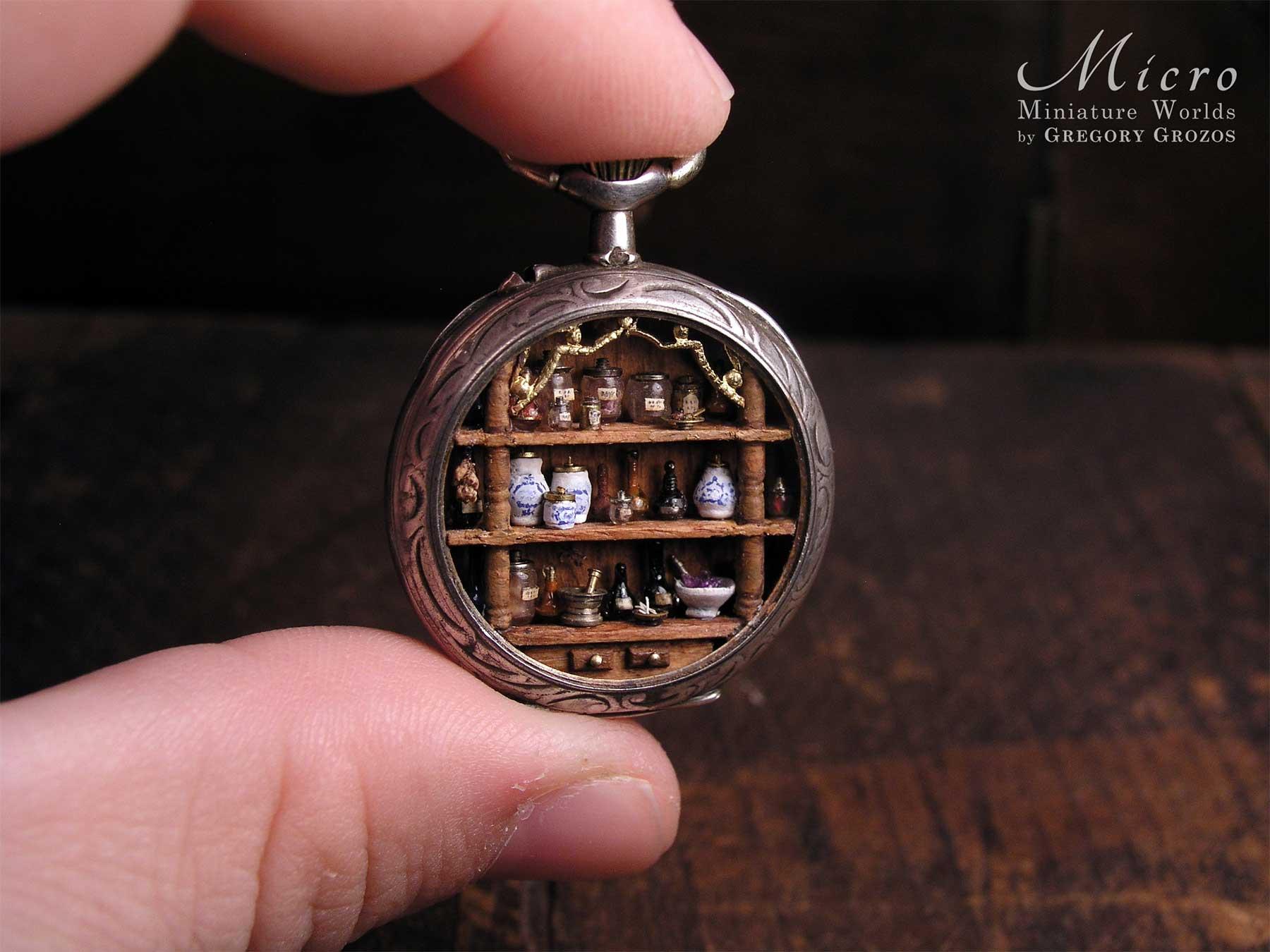 Gregory Grozos erstellt Miniaturwelten in Taschenuhren und Co. Gregory-Grozos-mirco-miniature-worlds_05