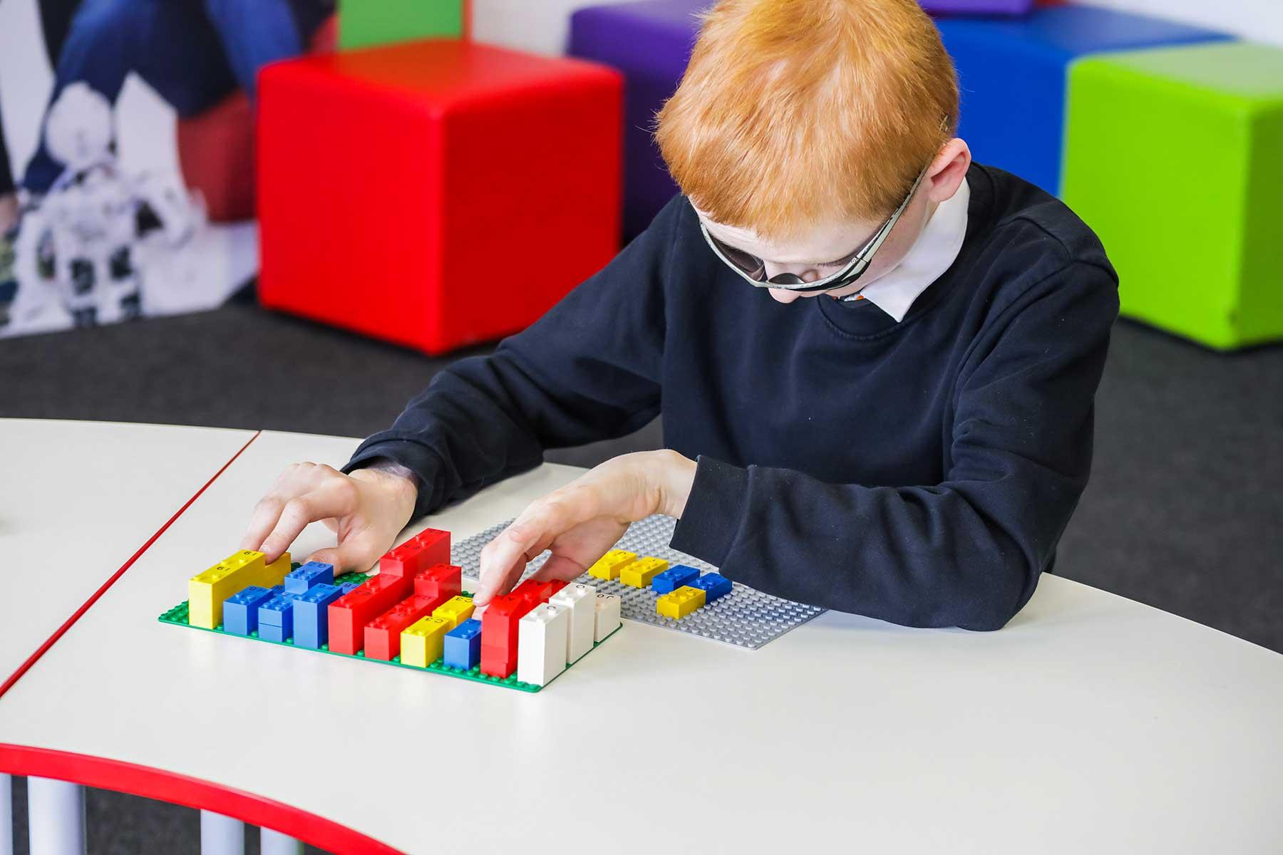 LEGO-Steine mit Blindenschrift LEGO-braille-bricks-sets-blindenschrift_04