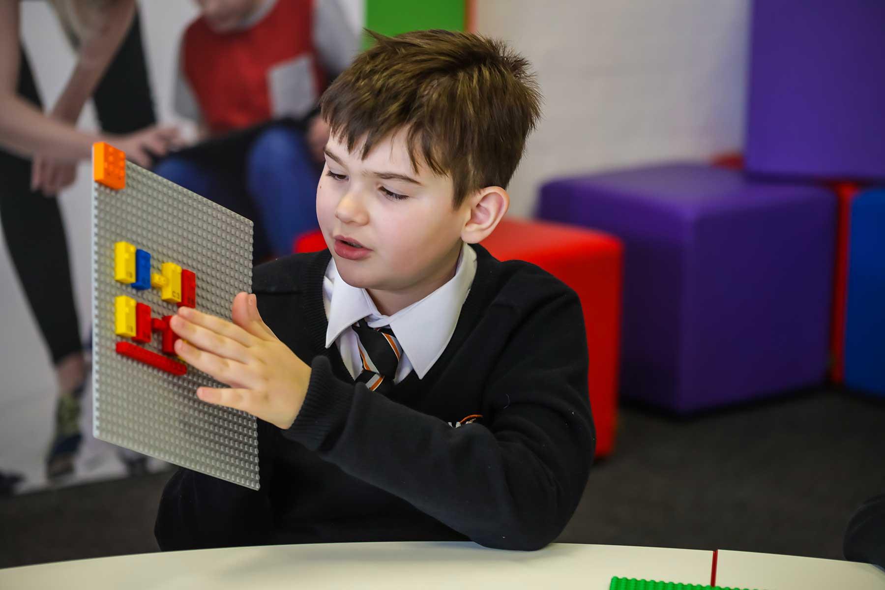 LEGO-Steine mit Blindenschrift LEGO-braille-bricks-sets-blindenschrift_05