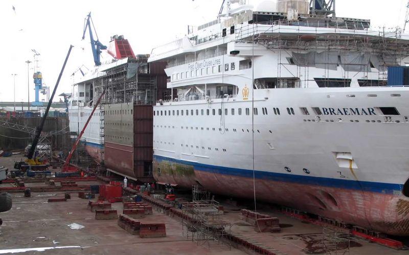 Timelapse: Ein Kreuzfahrtschiff verlängern
