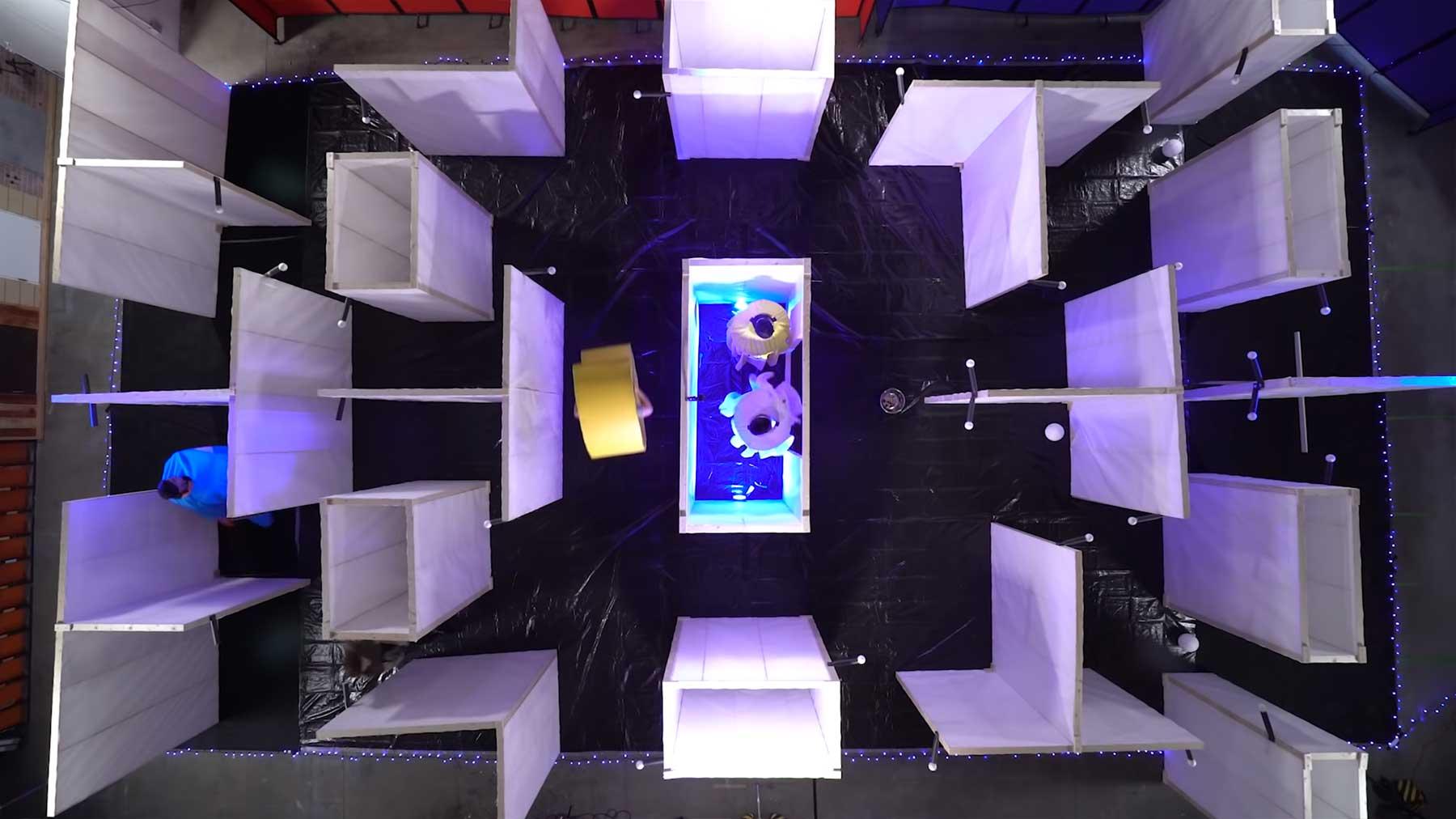 Pac-Man in überdimensionaler Lebensgröße spielen