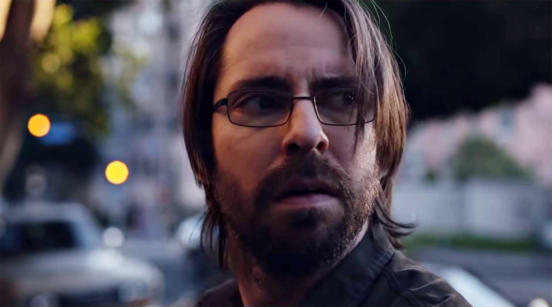 Gilfoyle ist gefangen im neuen Musikvideo von Hot Chip