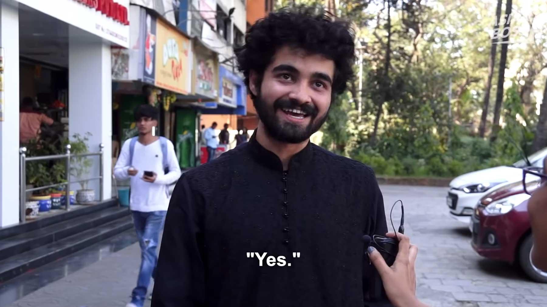 Wieso wackeln Inder mit den Köpfen?