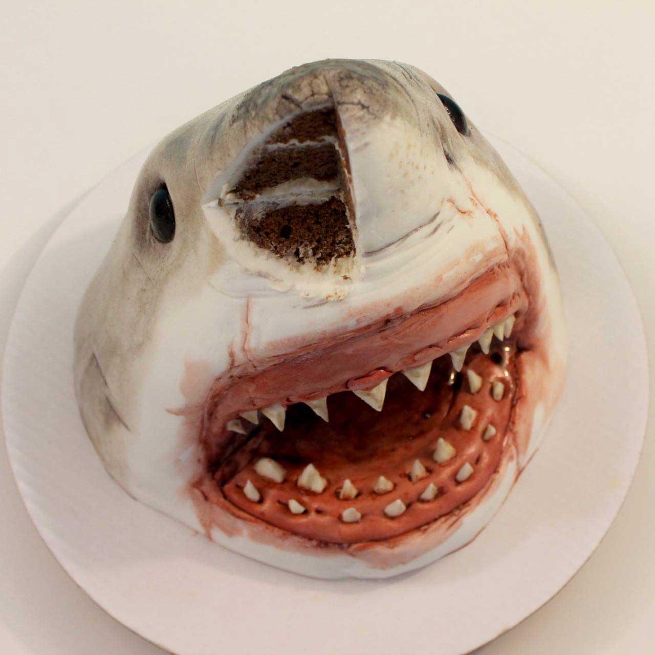 Gruselig realistisch aussehende Kuchen von Deviant Desserts katherine-day-deviant-desserts_11