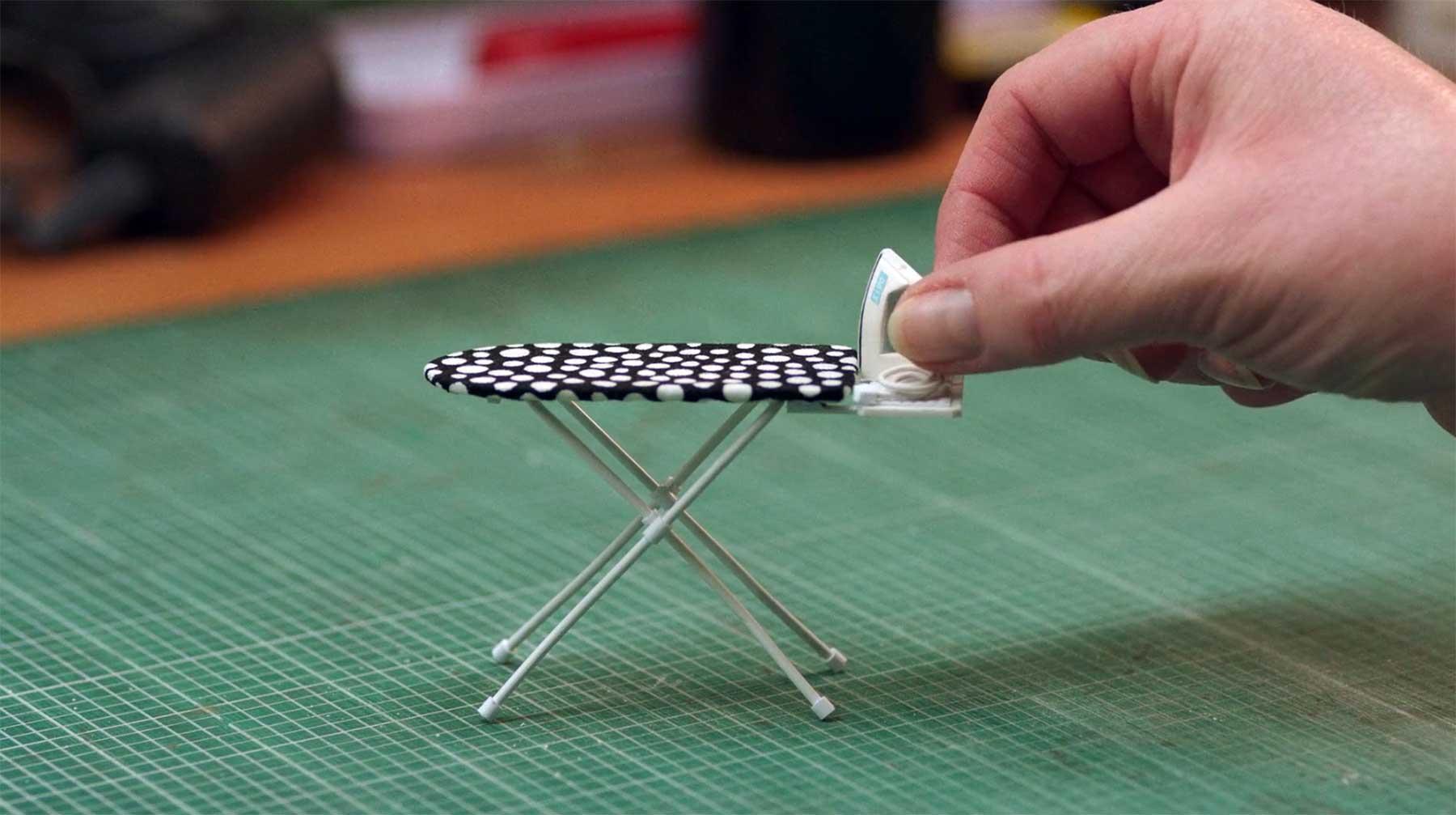 Videoportrait über Miniatur-Künstlerin Kath Holden