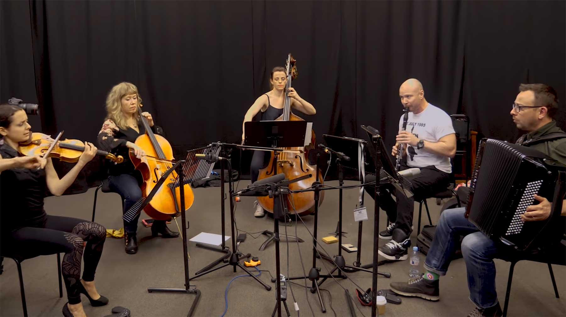 5 KomponistInnen 1 klassisches Thema