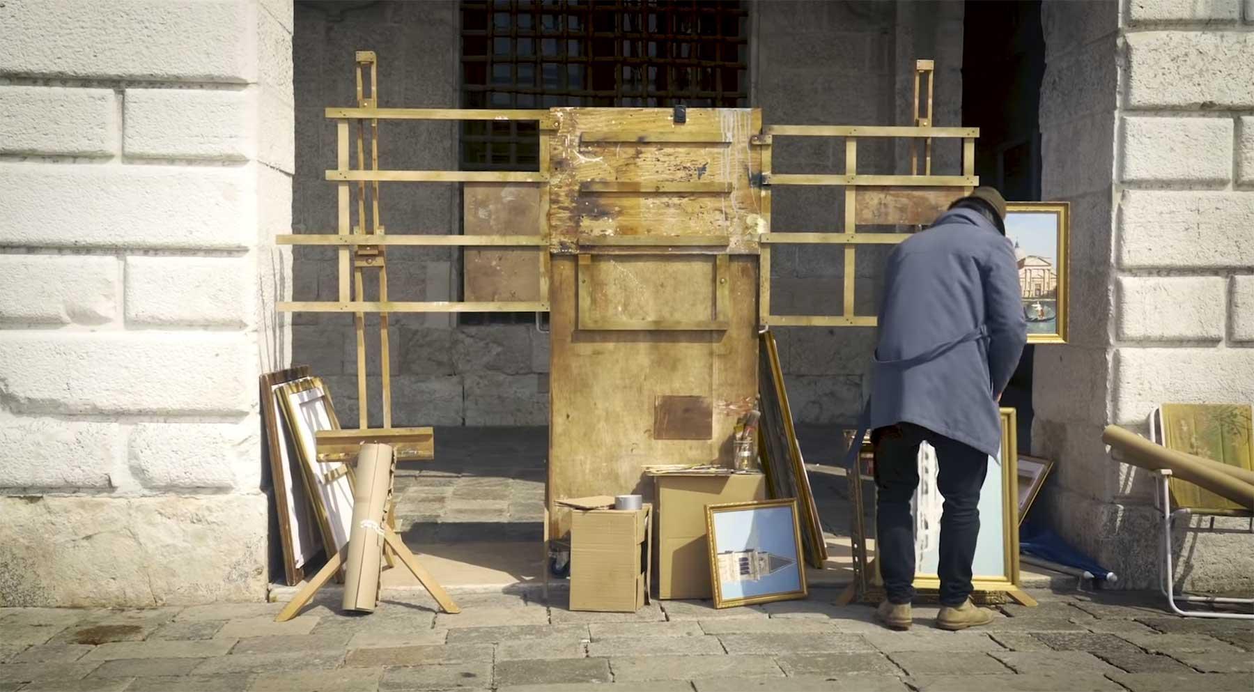 Banksy verwirrt Leute mit Guerilla-Aktion bei der Biennale in Venedig