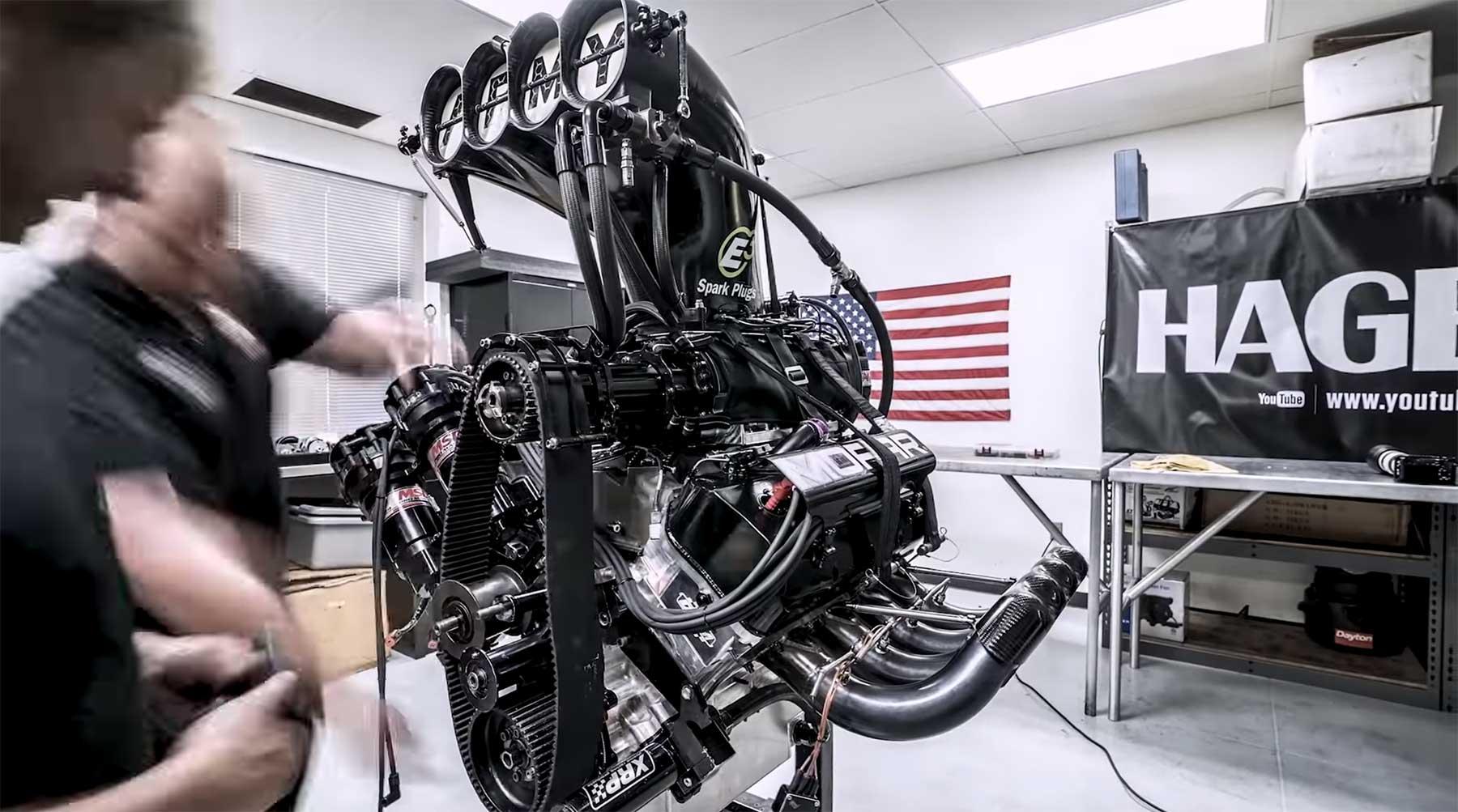 Zusammenbau eines 11.000 PS-Dragster-Motors
