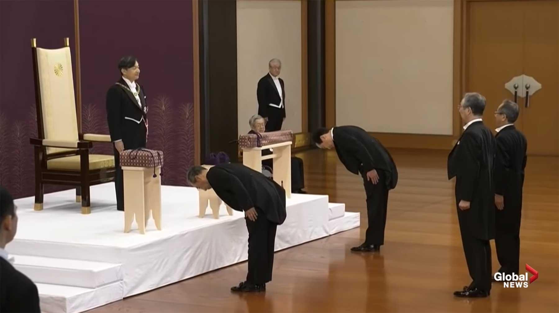 Die Krönung des japanischen Kaisers kommt ohne Worte aus japan-thron-stille