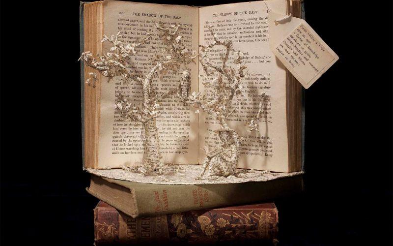 Buchseiten-Skulpturen von Emma Taylor