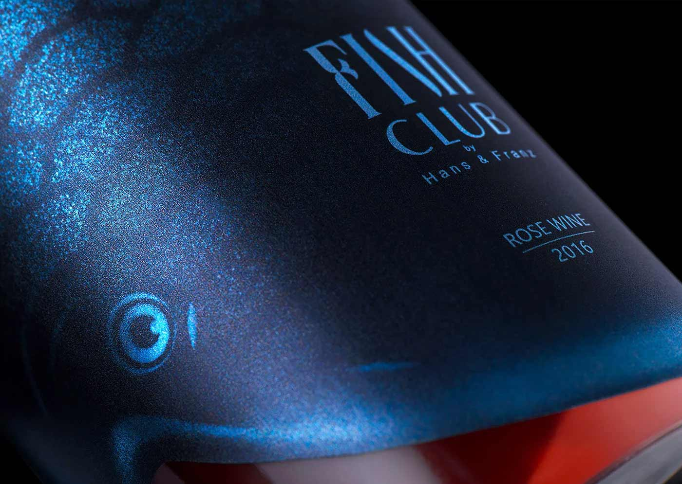 """Verpackungsdesign für """"Fish Club""""-Weinflaschen Fish-Club-Wine-produktdesign-fischflaschen_02"""