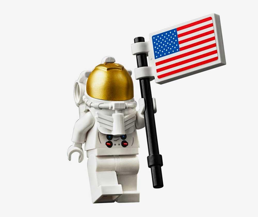 "LEGO feiert 50 Jahre Mondlandung mit dem Set ""NASA Apollo 11 Mondlandefähre"" LEGO-Mondlandung-set_07"