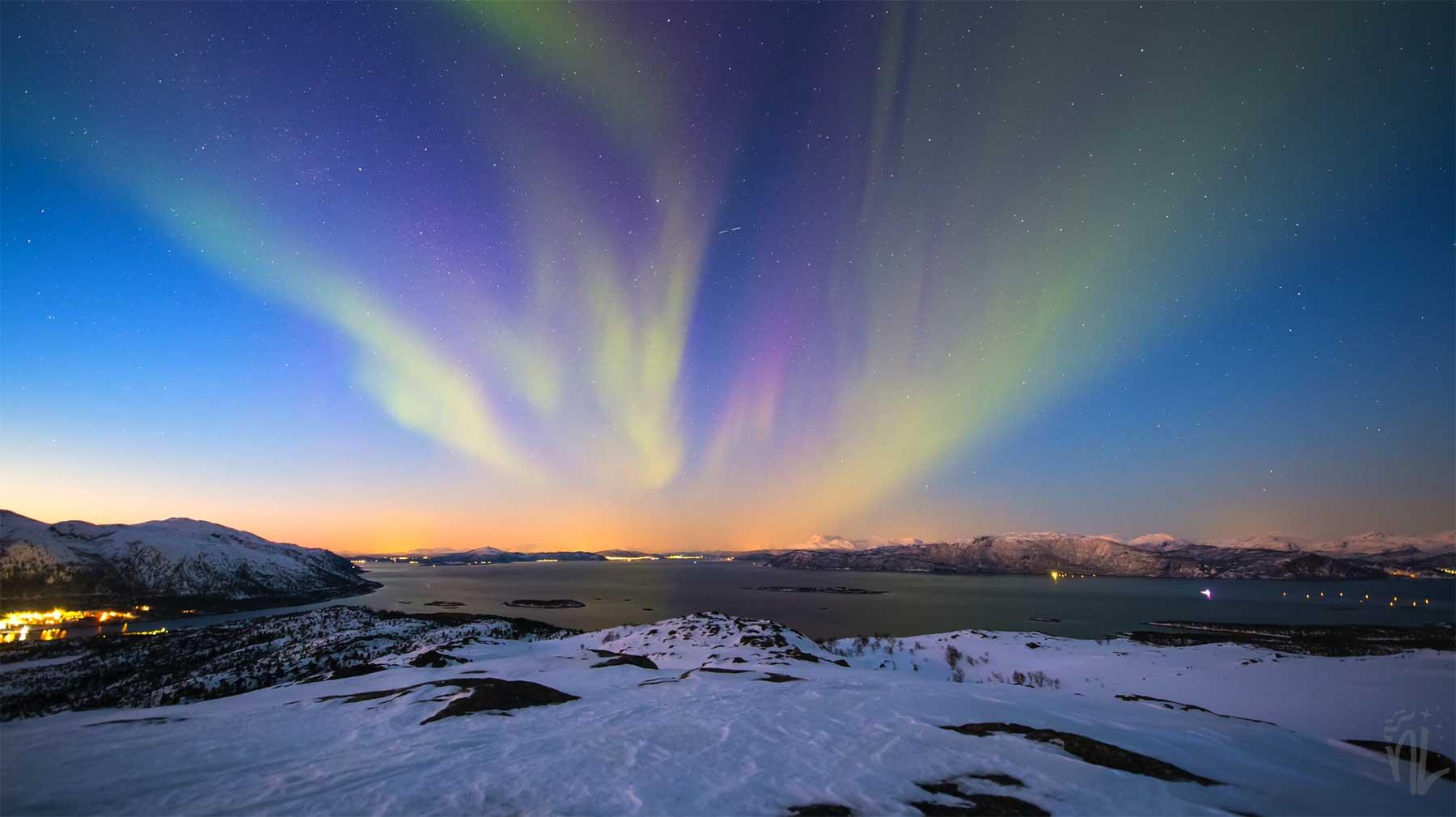 Arktische Polarlichter in 4K arctic-spring-lights