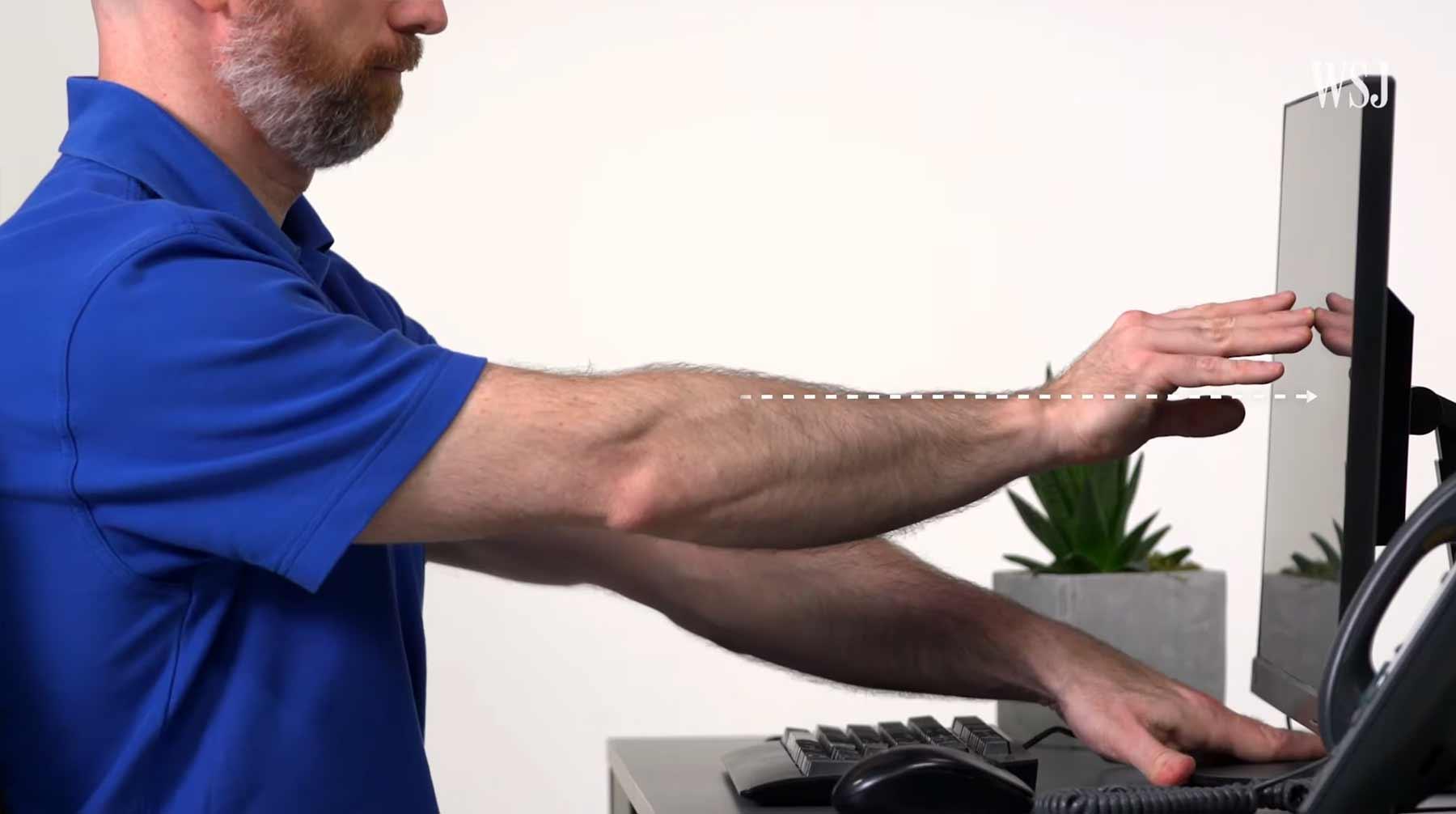 Experte erklärt, wie man seinen Schreibtisch ergonomisch korrekt einrichtet