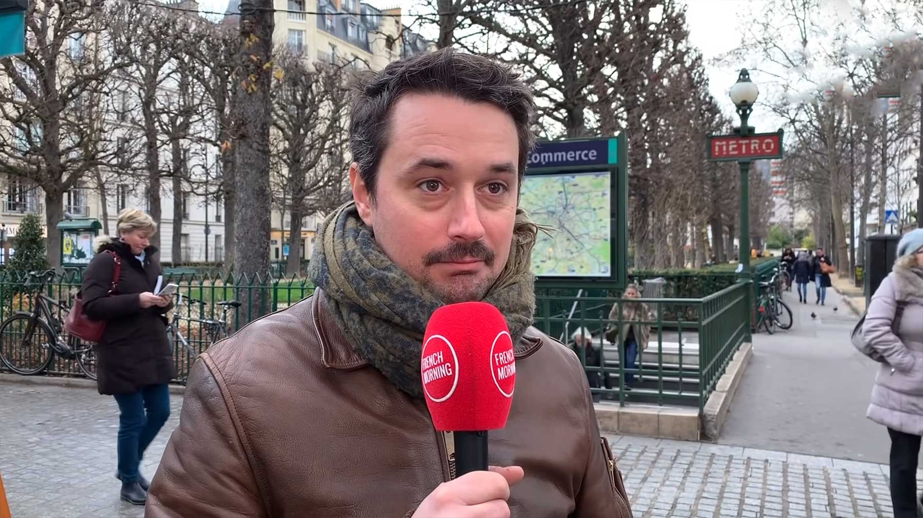 Franzosen versuchen, kuriose englische Begriffe auszusprochen
