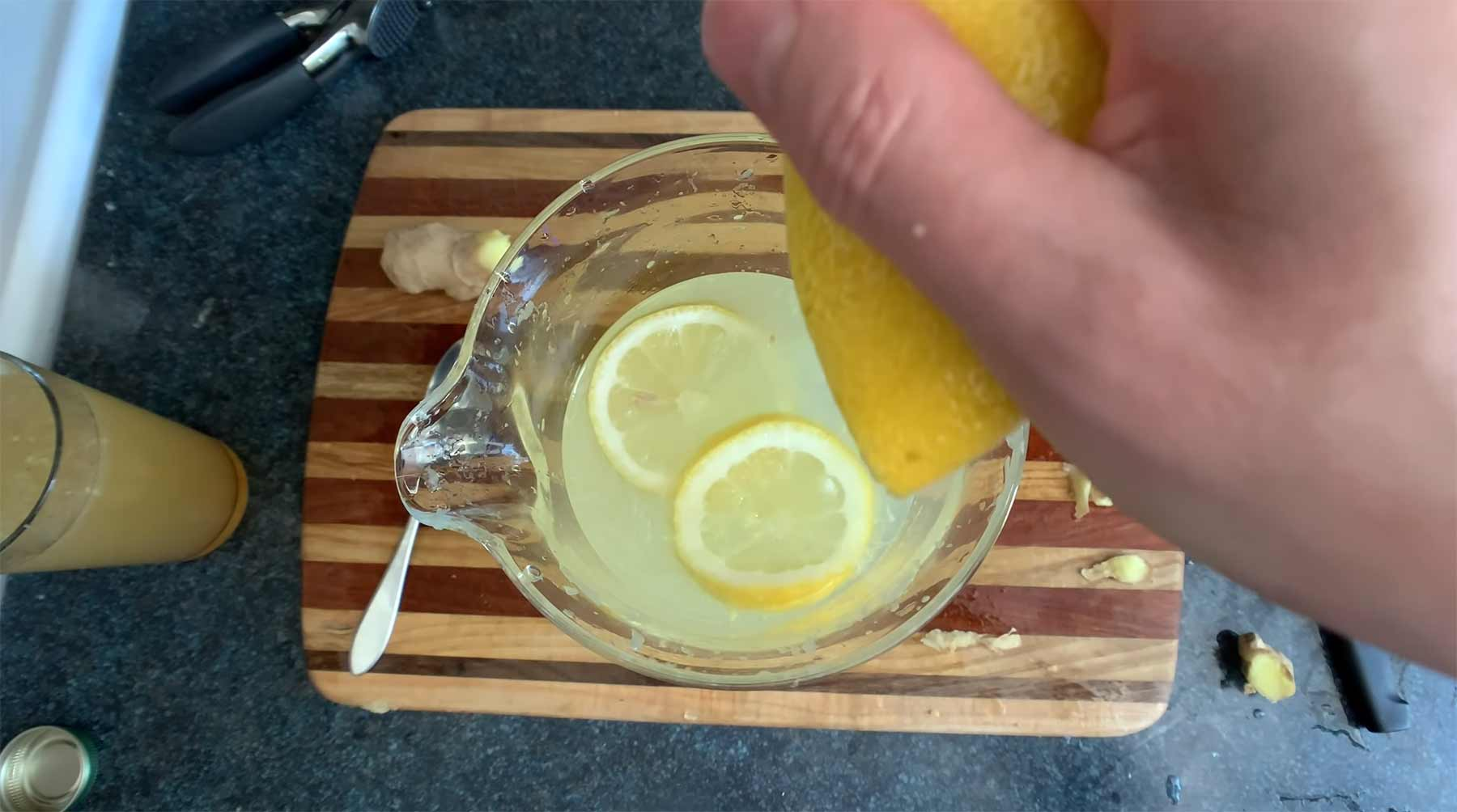 You Suck at Cooking: Limonade