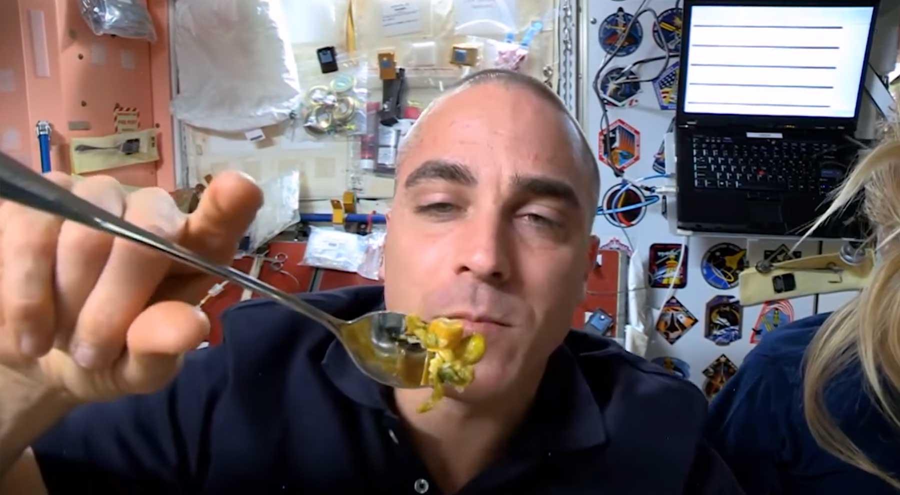So anders verhält sich Essen im Weltall