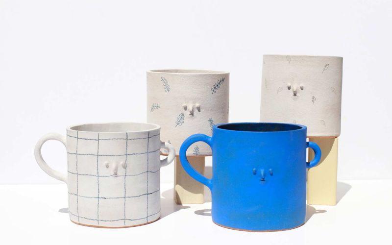 Keramikware mit Miniatur-Gesichtern