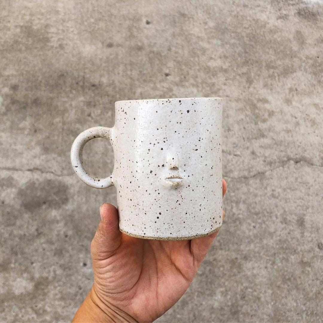 Keramikware mit Miniatur-Gesichtern keramik-mit-gesichtern-rami-kim_02