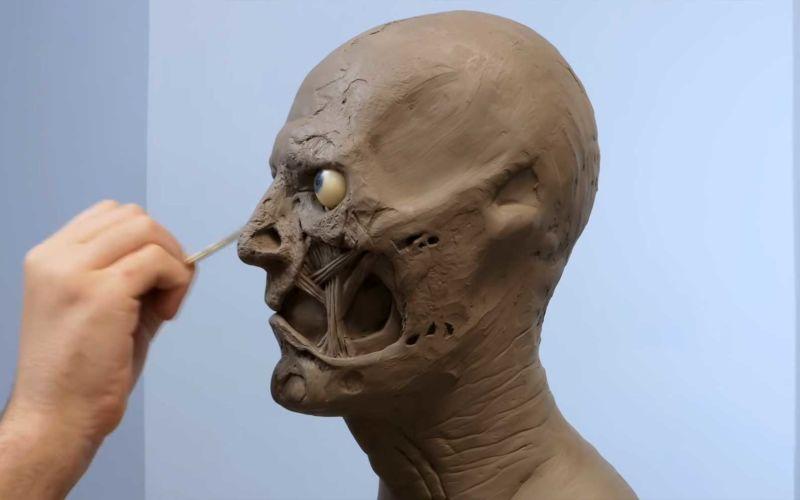 Wie nach und nach eine Büste von Two-Face entsteht