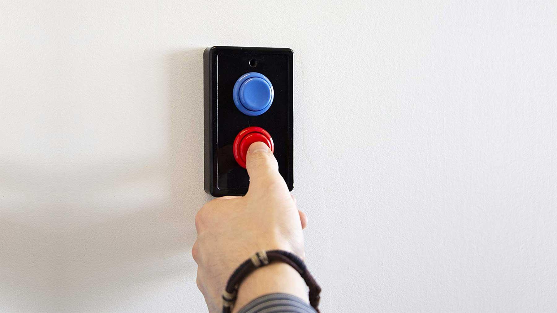 Dieses Verkleidung macht Arcade Buttons aus Lichtschaltern Arcade-buttons-lichtschalterverkleidung_01