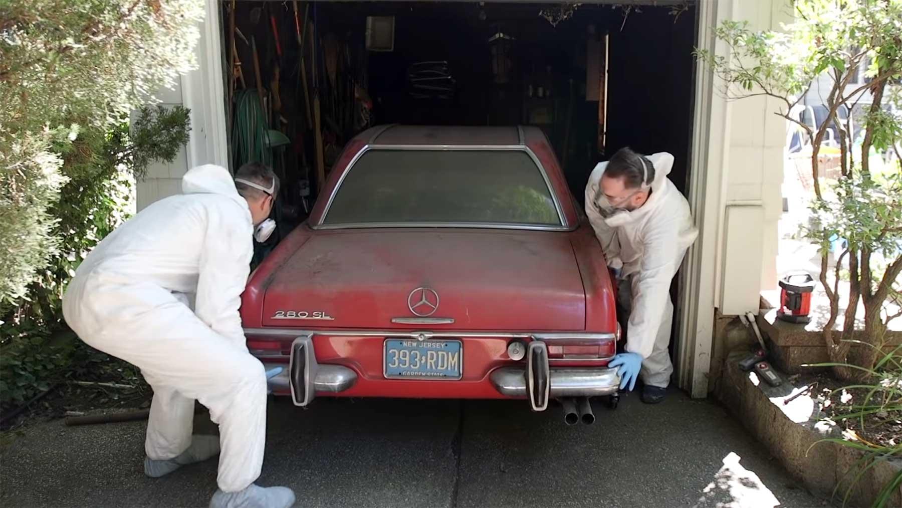 Reinigung eines 37 Jahre nicht bewegten Mercedes 280 SL reinigung-37-jahre-unbewegter-mercedes