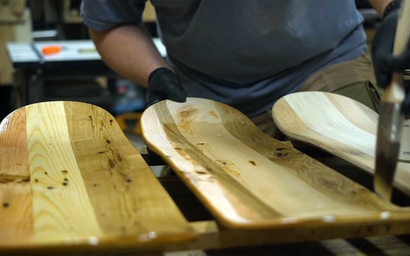 Skateboards aus Holzpaletten