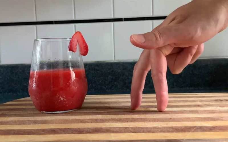 You Suck at Cooking: Strawberry Daiquiri