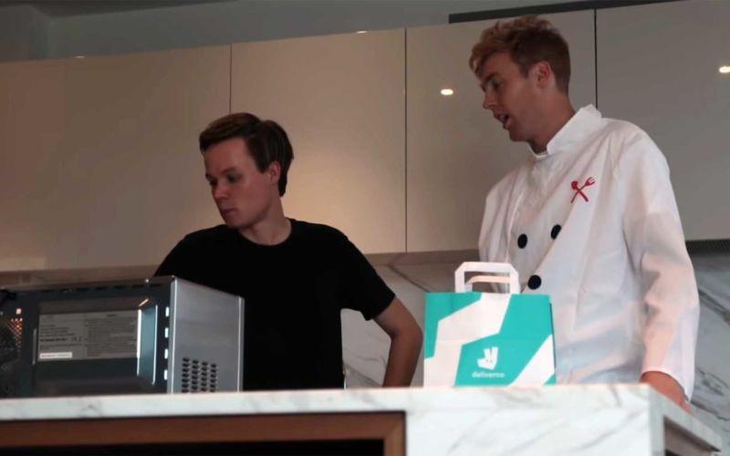 Typ hat Mikrowellen-Essen bei Deliveroo verkauft