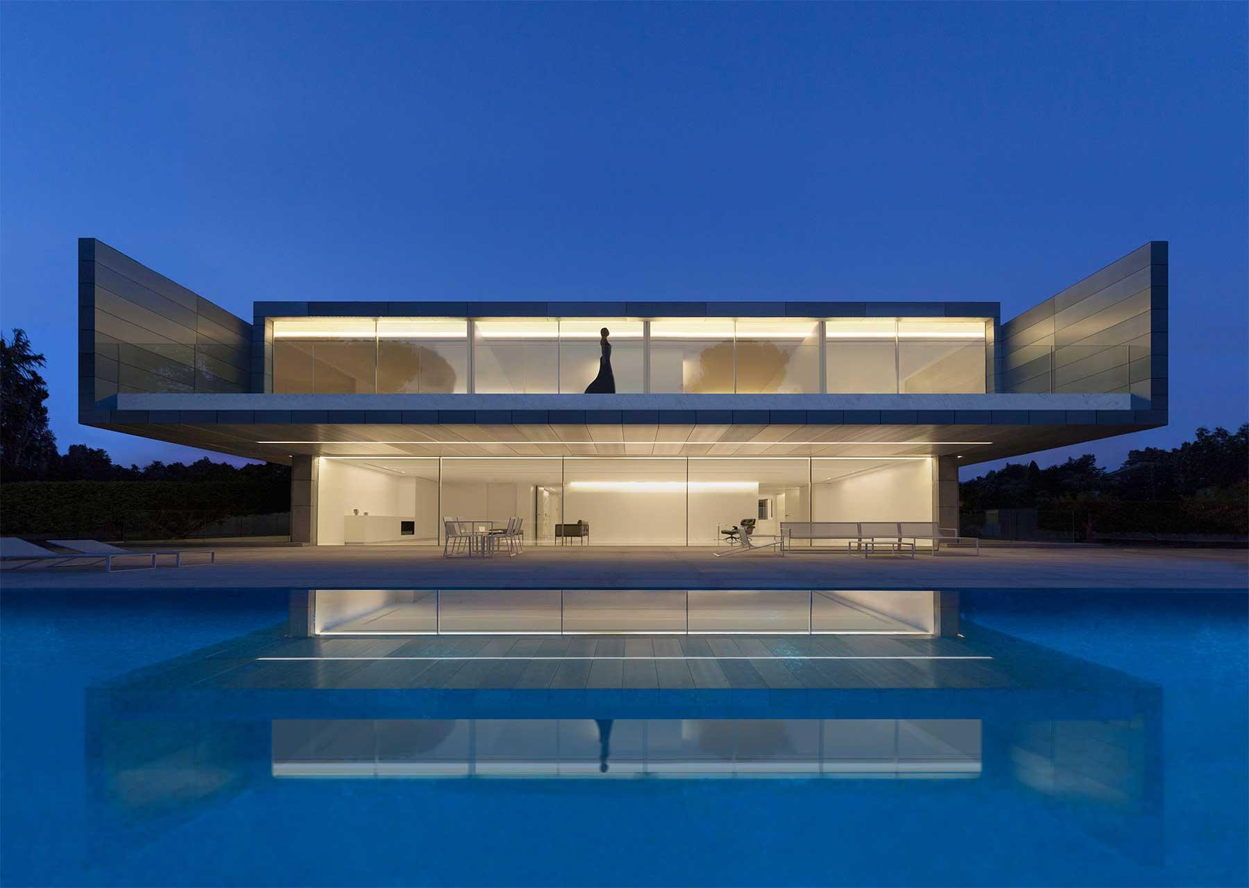 """""""Aluminum House"""" von Fran Silvestre Arquitectos"""