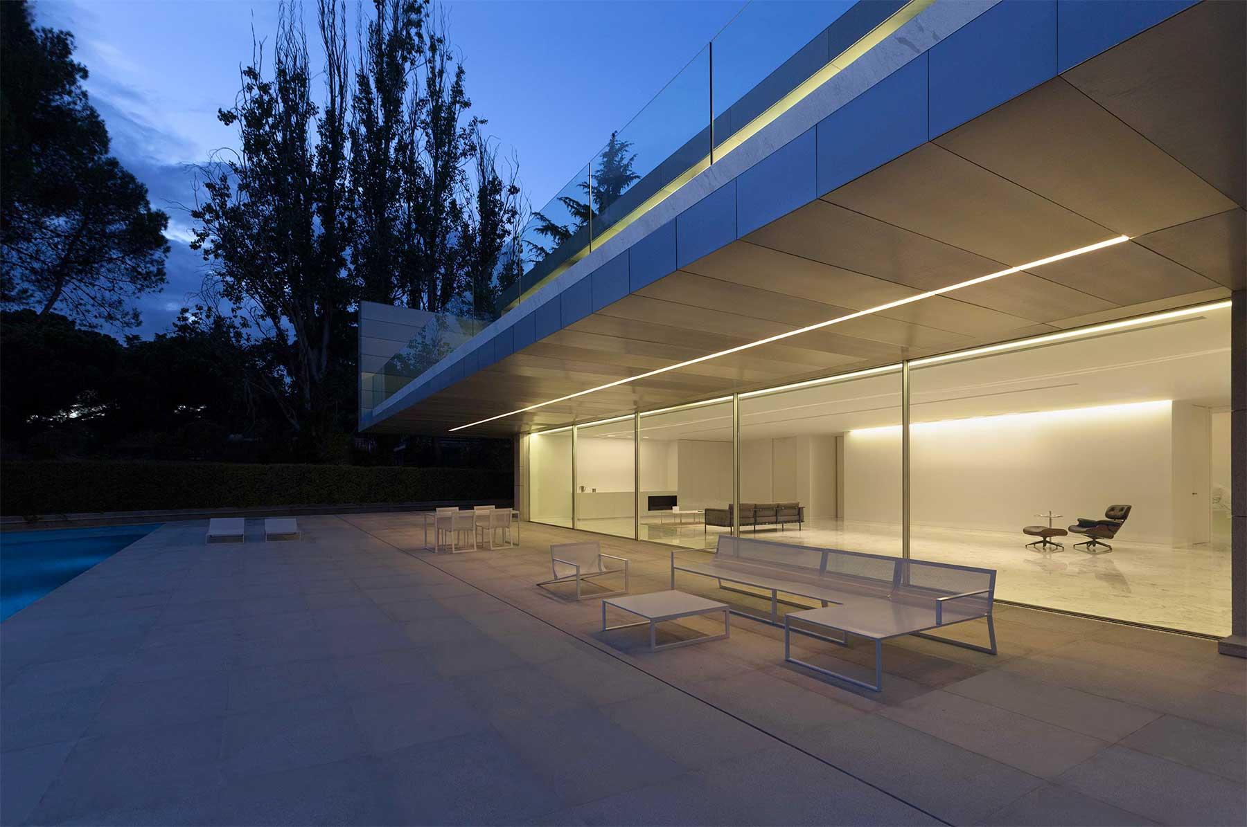 """""""Aluminum House"""" von Fran Silvestre Arquitectos Aluminum-House-by-Fran-Silvestre-Arquitectos_02"""