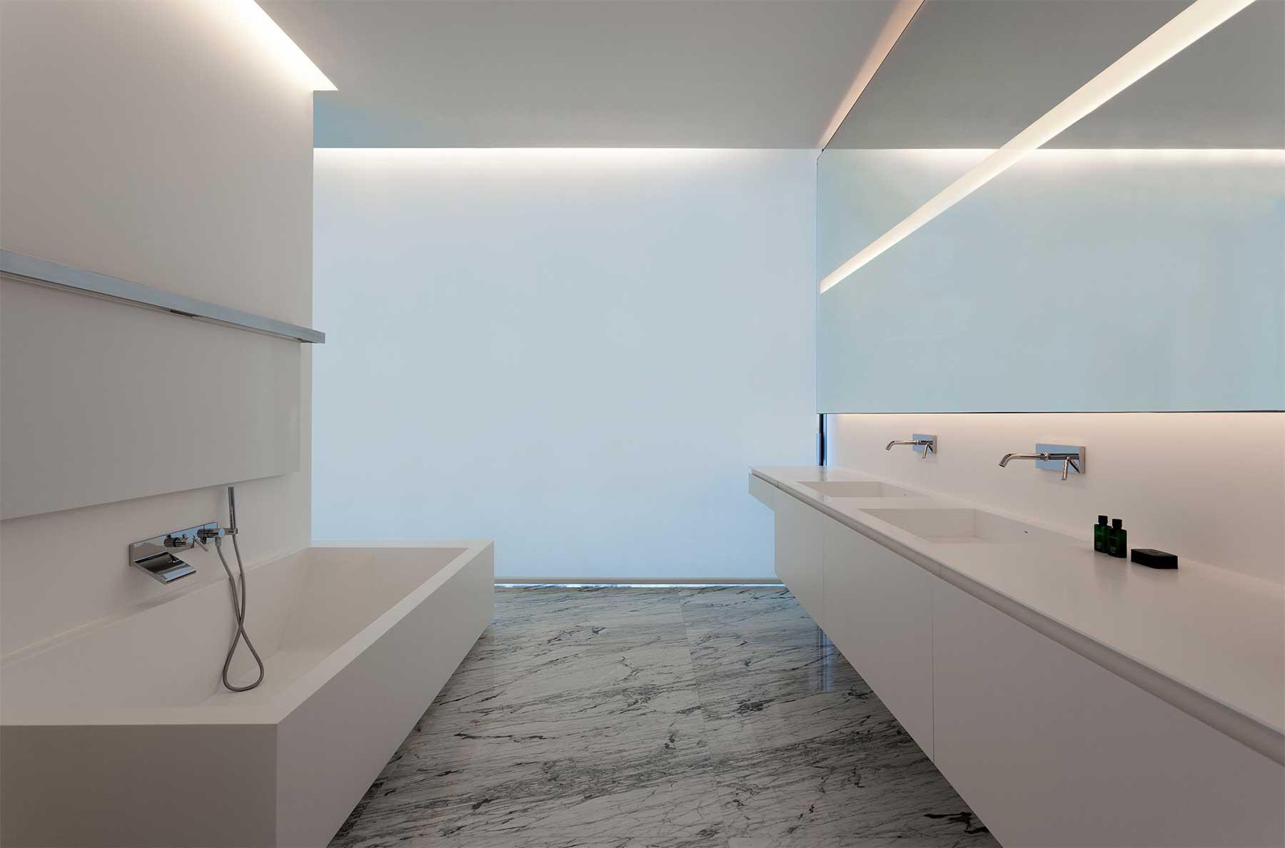 """""""Aluminum House"""" von Fran Silvestre Arquitectos Aluminum-House-by-Fran-Silvestre-Arquitectos_07"""