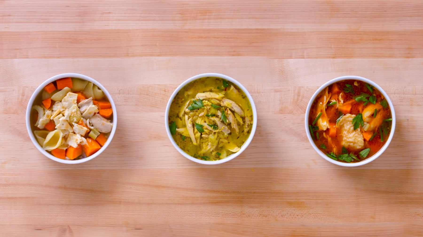 Köche unterschiedlicher Fähigkeitsstufen machen Hühnersuppe drei-huehnersuppen
