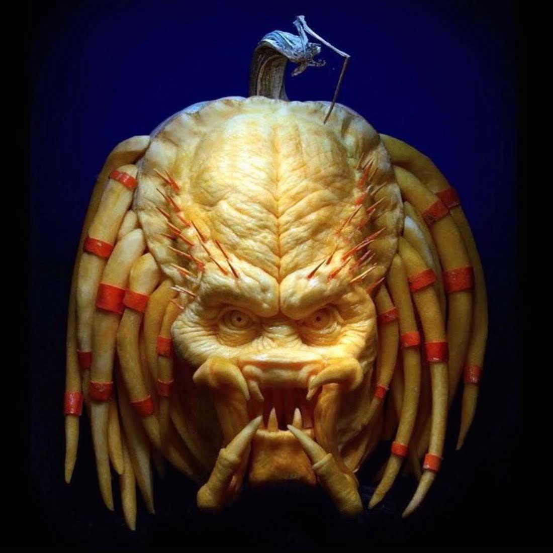 Die genialen Kürbis-Schnitzereien von Ray Villafane halloween-kuerbisschnitzkunst-Ray-Villafane_05