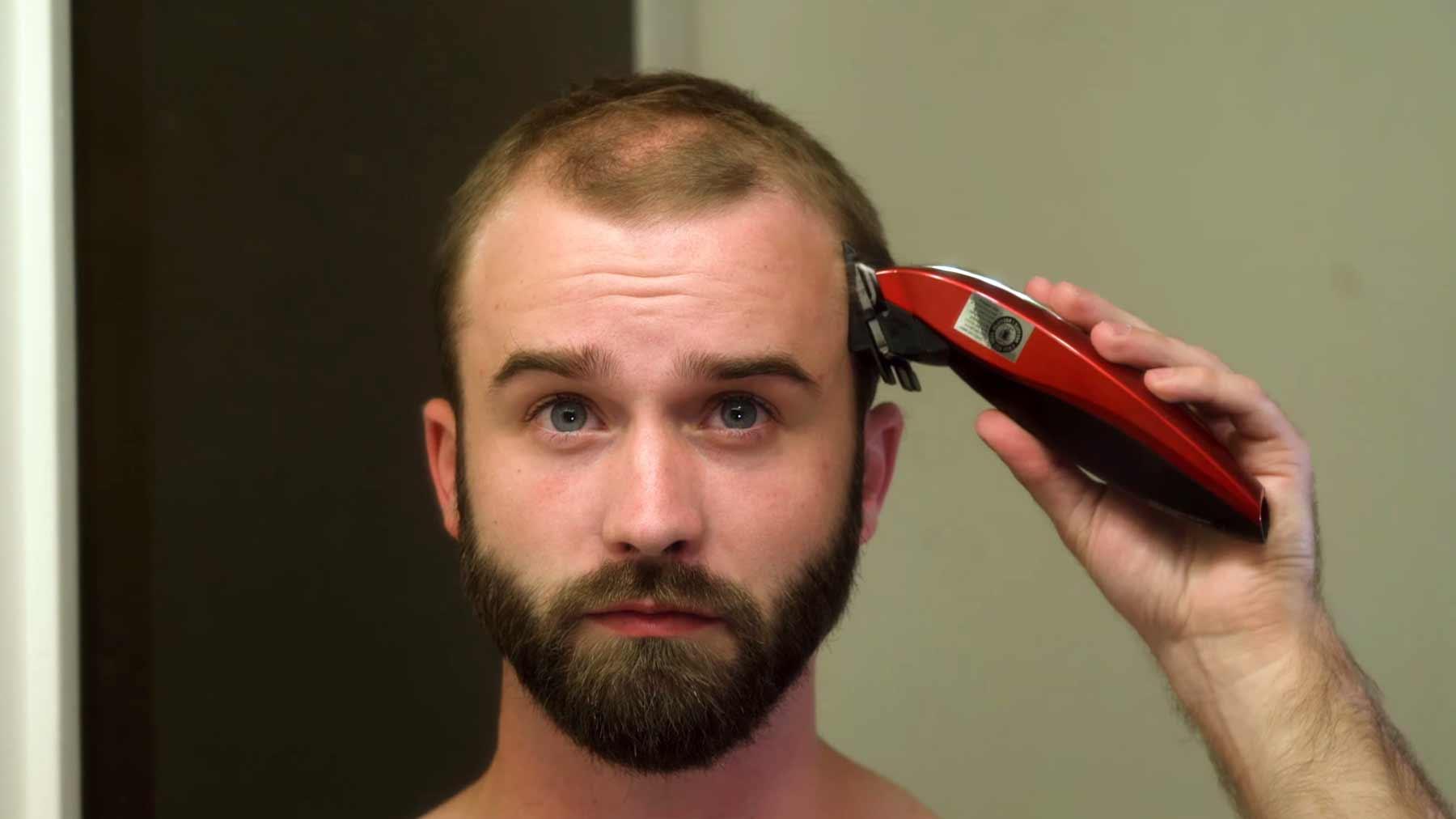 Wie man mit lichter werdendem Haar umgehen kann