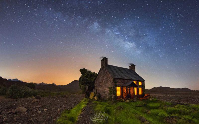 Miniaturhäuser unterm Sternenhimmel abgelichtet