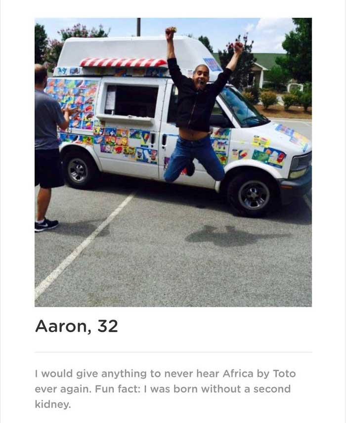Typ erstellt Dating-App, die ihn als einzigen Mann etliche Male zeigt Aaron-smith-dating-app-singularity_02