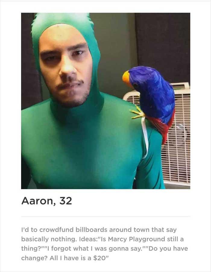 Typ erstellt Dating-App, die ihn als einzigen Mann etliche Male zeigt Aaron-smith-dating-app-singularity_03