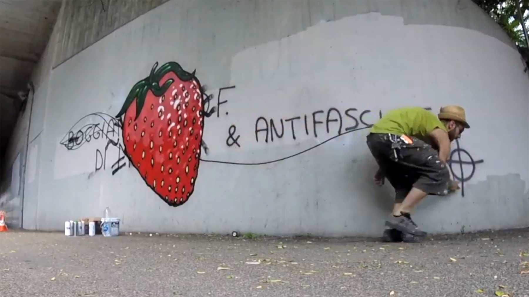 CIBO übersprüht extremistische Schmierereien mit Food-Murals CIBO-graffiti-street-art-ueber-hass-schmierereien