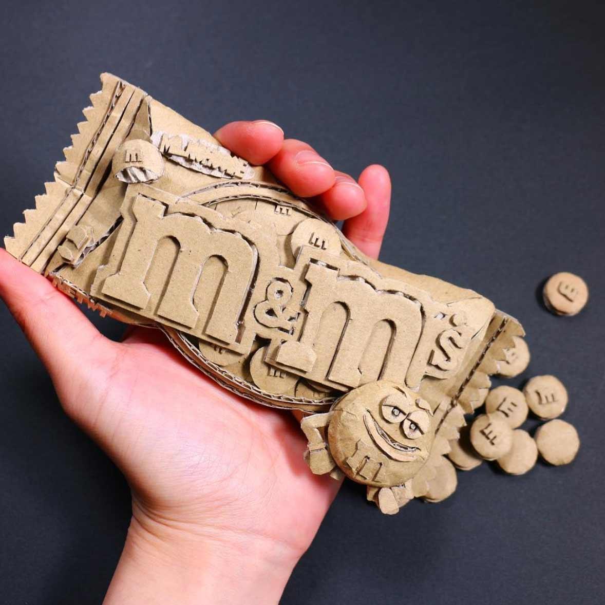 Neue Karton-Skulpturen von Monomi Ohno Monomi-Ohno-amazonkartons-skulpturen_2019_07