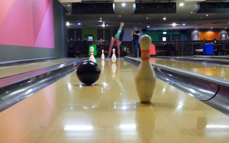Ferngesteuerte Bowlingkugel