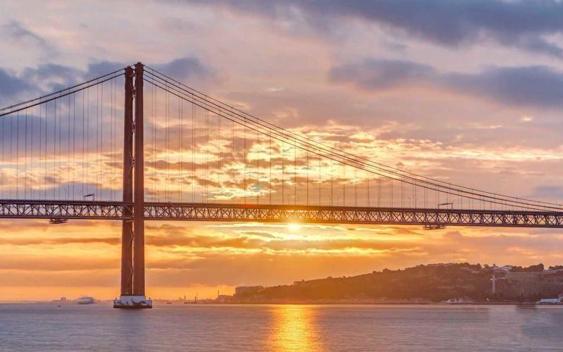 Lissabon im Hyperlapse-Portrait