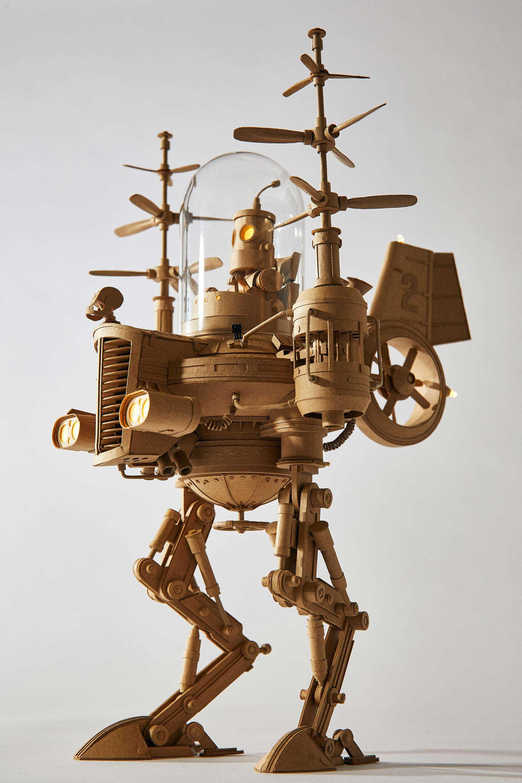 Papp-Steampunk-Roboter von Greg Olijnyk