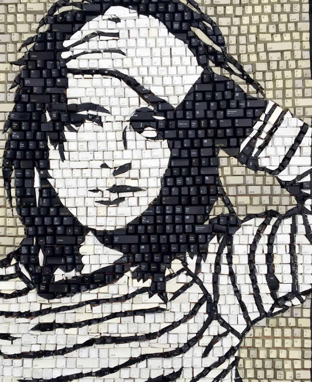 Tastatur-Tasten-Mosaike Monique-Sarfity-tastaturmosaik_04