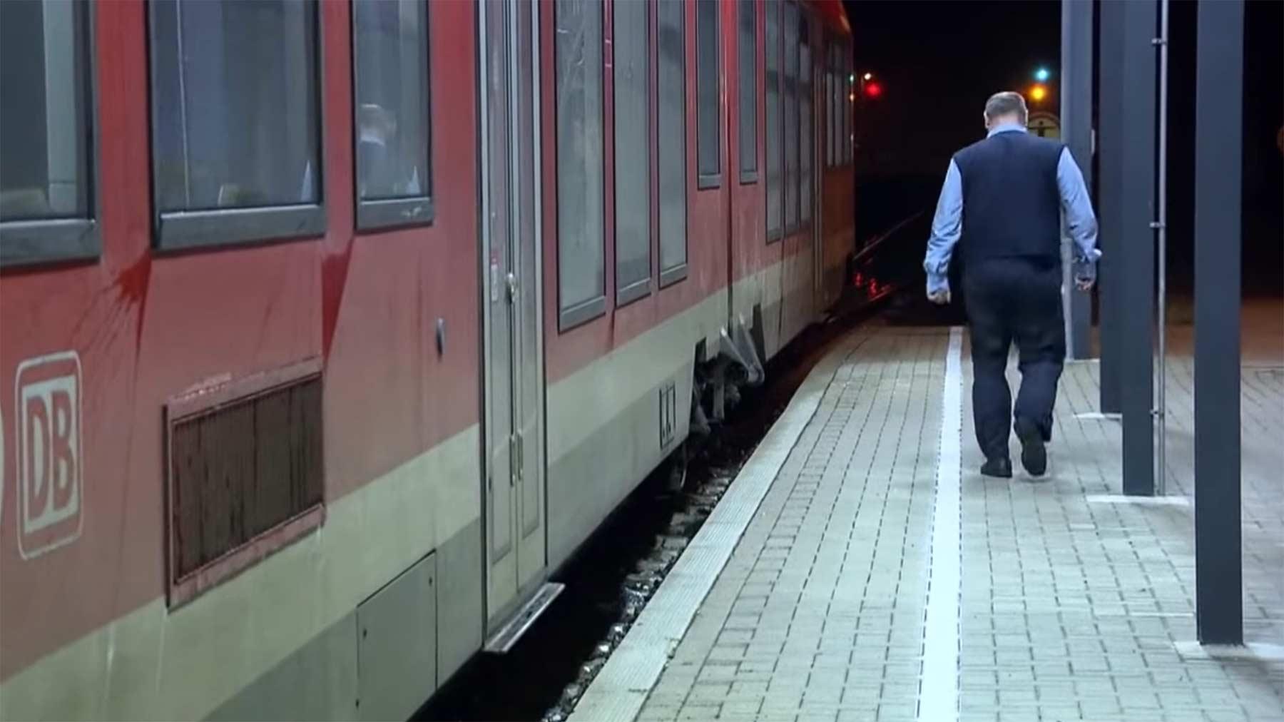 Realer Irrsinn: Leerer Pendlerzug in Thüringen