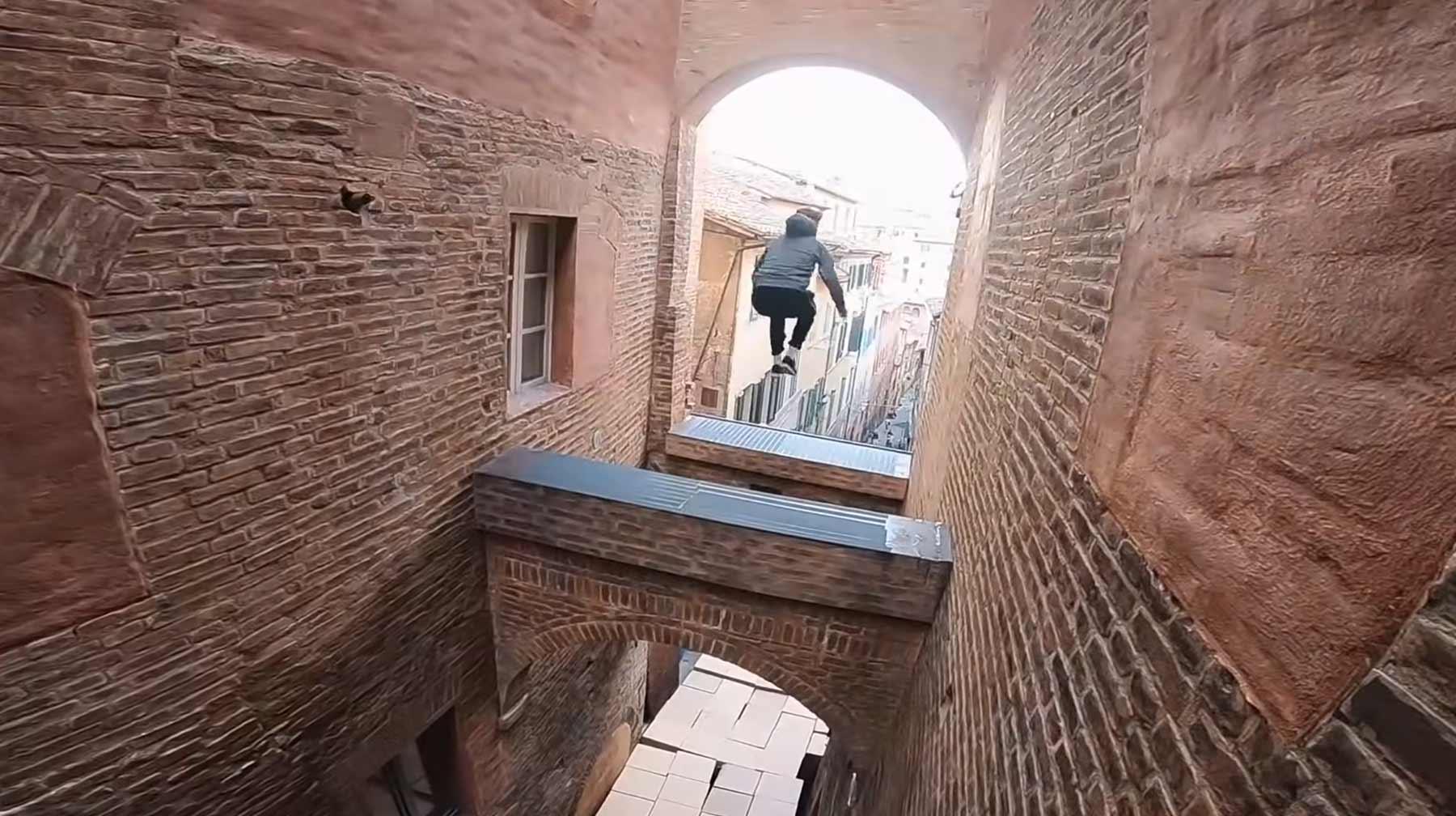 """Parkour-Stuntmen geben Einblicke in """"6 Underground""""-Dreh"""