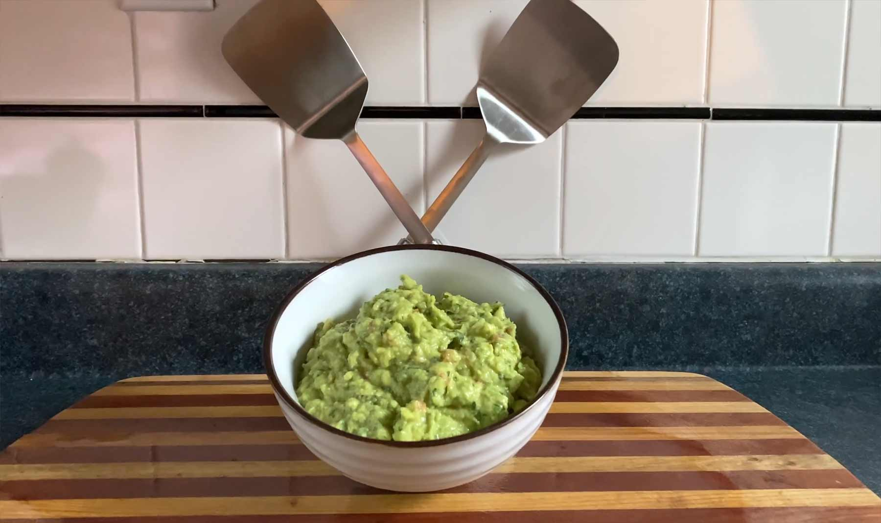 You Suck at Cooking: Guacamole
