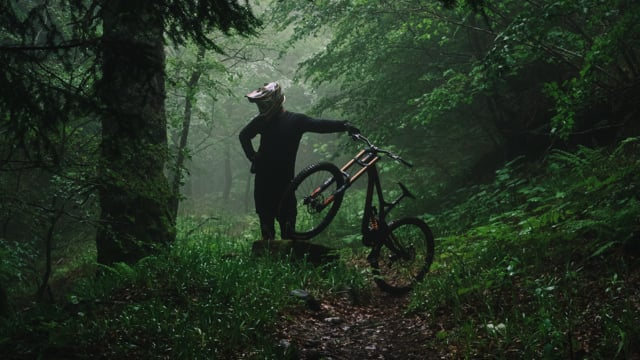 "Ski-Wakeboard-Mountainbike-Film: ""SAISONS"""